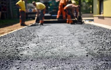 The Pros & Cons of Asphalt Driveway Paving